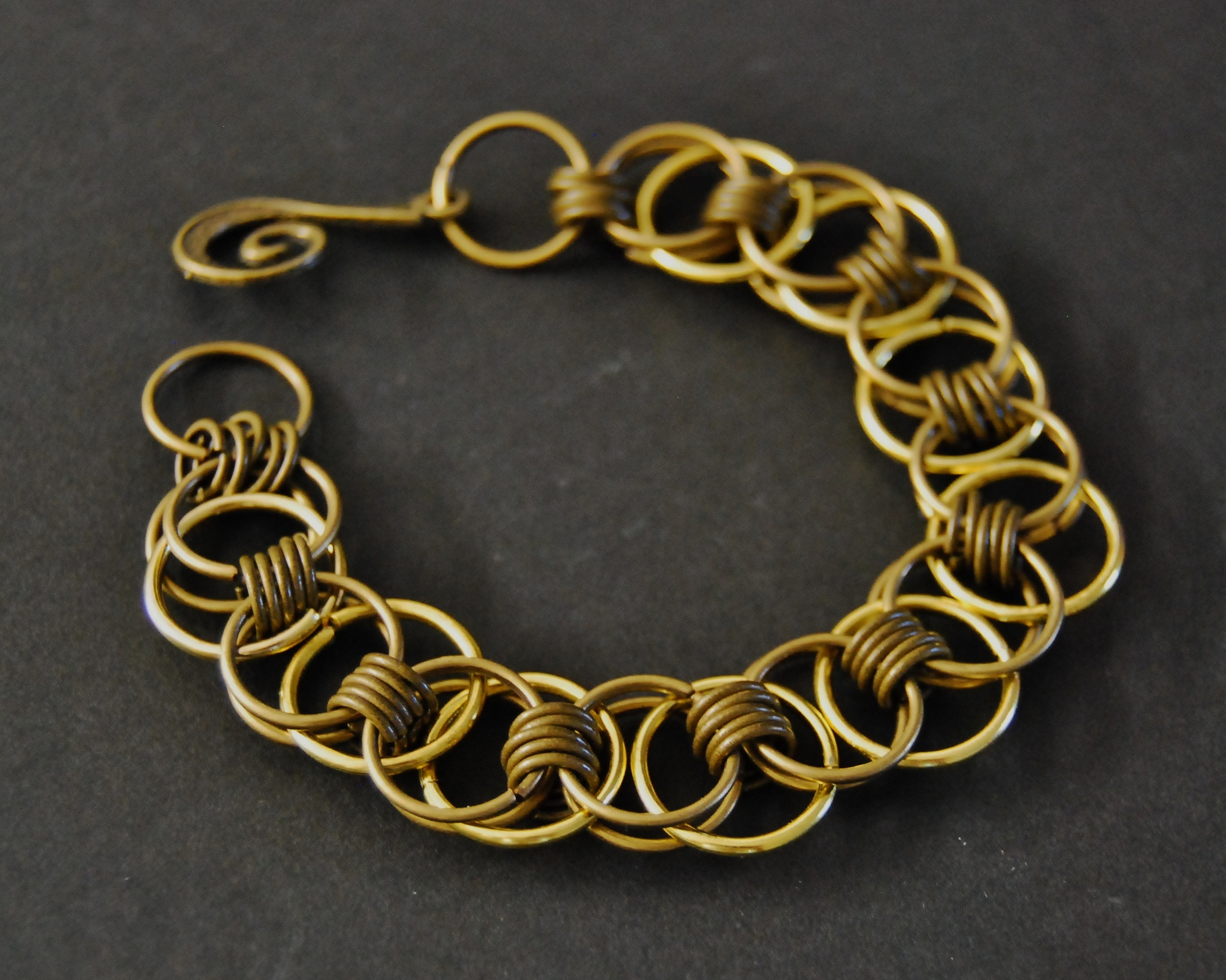 Cr er ses propres maillons de cha ne avec des anneaux - Comment creer ses bijoux ...